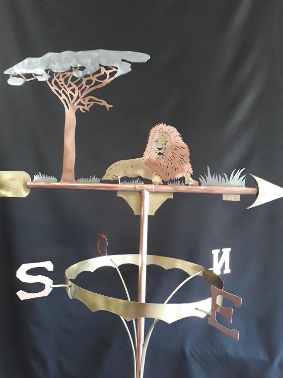 LION GRAND MODELE 495 €